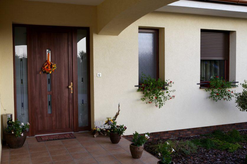 Sluzby obrazok - Plastové a hliníkové okná a dvere